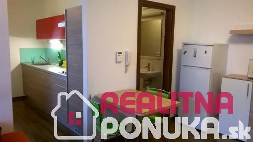 Predáme menší 2 i. byt, Rezedova ul., Ružinov - Trávniky.