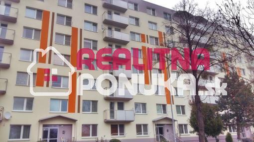Na prenájom pekná garsonka na Vilovej ul. v Petržalke / 360€ vrát. en.
