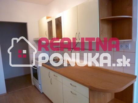 Prenájom 2 izbový bytu  Ulica Rezedova  / Ružinov 540 € V.Ener.