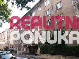 Veľký 1,5 izbový byt na prenájom len 490€ mesačne v CENTRE MESTA!