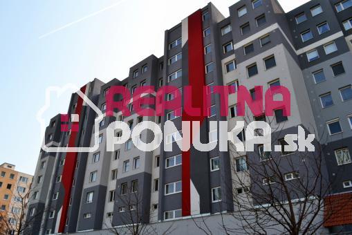 SÚRNE HĽADÁM 2 izbový byt v RUŽINOVE do 550€!