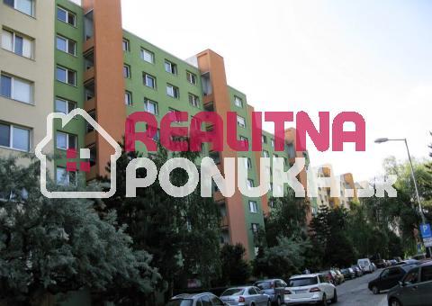 Hľadám 1 izbový byt na prenájom v DÚBRAVKE do 450€