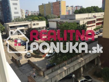 Predaj 1 garsónky   ulica Šustekova / Petržalka