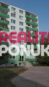 Predam 2 izbový byt vo Vrakuni- kupou volny a bez tiarch