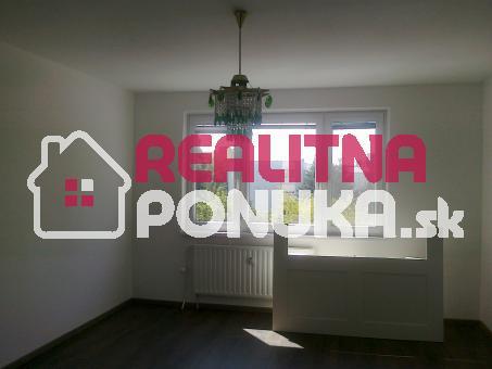 Prenájom 3 izbového bytu  Ulica Krásnohorská / Petržalka 650€ V.Ener.