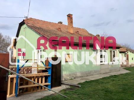Orechová Potôň - Starší rodinný dom s veľkým pozemkom