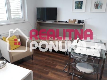 VÝRAZNE ZNÍŽENÁ CENA za veľmi pekný 1 izbový byt v novostavbe na Pasekách - možnosť dokúp
